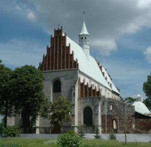 Kościół pw św. Piotra i Pawła w Beszowej